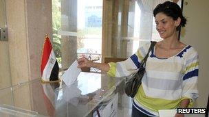 Egyptian expatriates in Lebanon casting her ballot