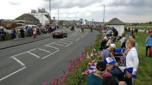 Crowds gather in Newquay for Olympic torch