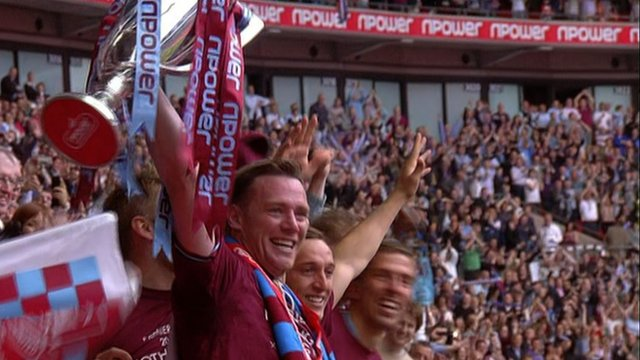 West Ham celebrate Premier League promotion