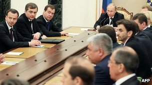 Vladimir Putin holds the first meeting of his new cabinet, 21/5/12