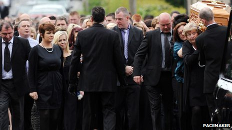 Family and friends attend Lauren O'Neill's funeral
