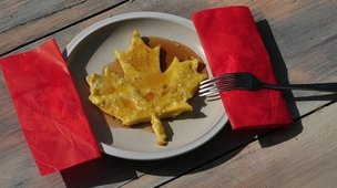 Pancake in the shape of a maple leaf