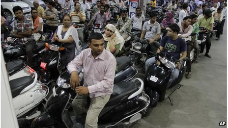 India strike over petrol price increase announced