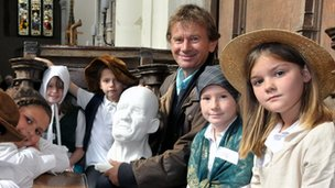 Michael Wood with school children at St Gregory&#039;s Church, Sudbury