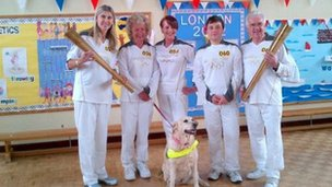Sharron Davies (left) and other Leominster torchbearers