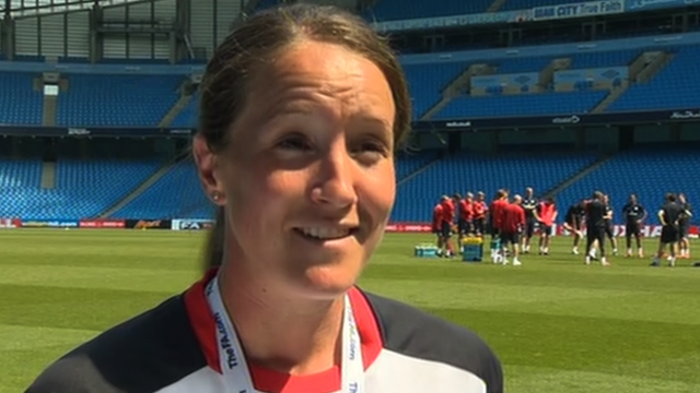 Casey Stoney named as England  women's captain
