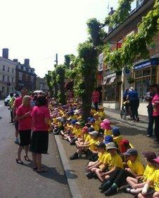 Cleobury Mortimer schoolchildren waiting