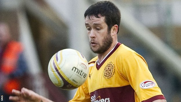 Tim Clancy is expected to leave Motherwell and join Hibernian