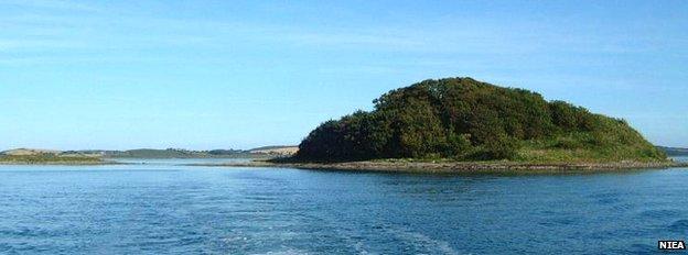 Dunnyneil Island
