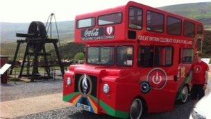 Convoy bus