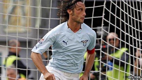 File picture of Stefano Mauri (2010)