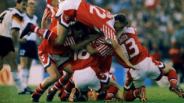Denmark celebrate Kim Vilfort's goal in the Euro 1992 final against Germany