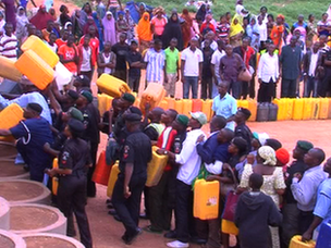 Nigerians in Lagos queue to buy fuel