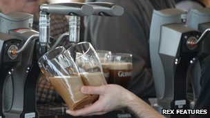 Guinness pouring