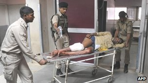 Policeman injured in an attack by militants in Indian-administered Kashmir (May 2012)