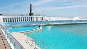 Penzance 39 S Jubilee Pool Funding Bid Bbc News