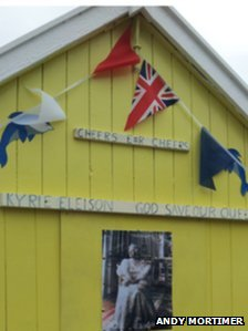 Jubilee-decorated beach hut