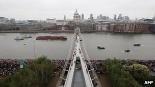 Royal Barge passing the Millenium Bridge