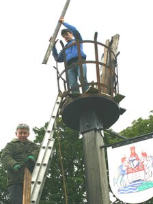 Beacon being prepared in Gravesend