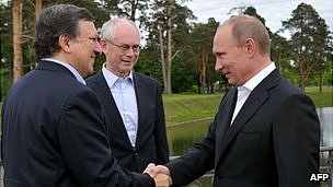 Russian President Vladimir Putin (right) with EU leaders in St Petersburg, 4 Jun 12