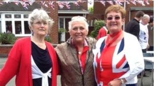 Karen Nield (Centre) and Ann Richards (right)