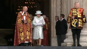 The Queen leaves St Paul's
