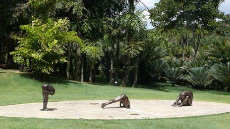 Untitled Sculptures (2000, 2002, 2005) by Edgard Santos