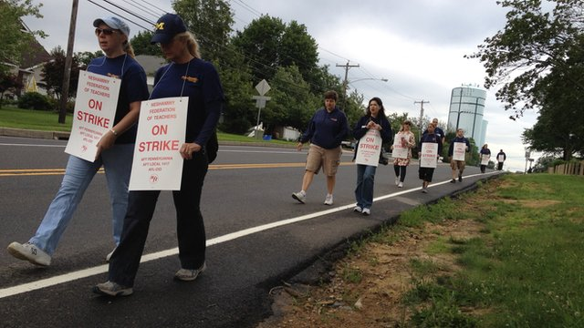 Pennsylvania school teachers on a strike&#039;s picket line