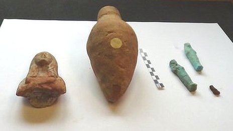 Ancient Egyptian artefacts
