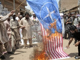Pakistanis protest against drone strikes in Multan (4 June 2012)