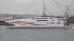 Condor Vitesse in Guernsey&#039;s St Peter Port Harbour