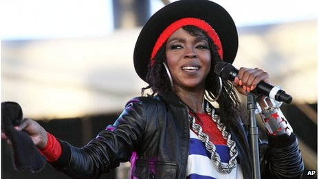 Lauryn Hill performing live