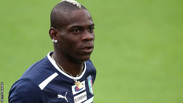 Mario Balotelli stares in training