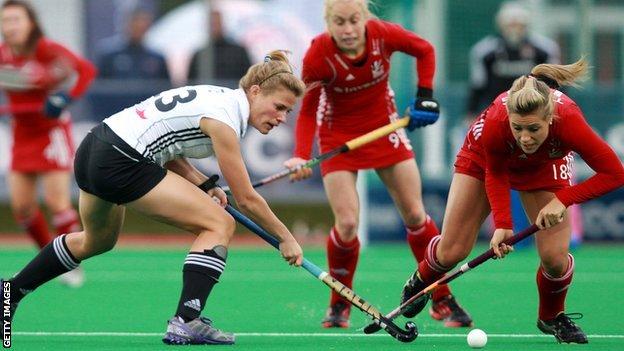 Germany's Katharina Otte and Great Britain's Georgie Twigg