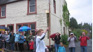 The torch makes its way through Dunlop