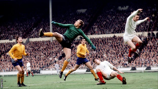 Gordon West in goal for Everton during the 1968 FA Cup final