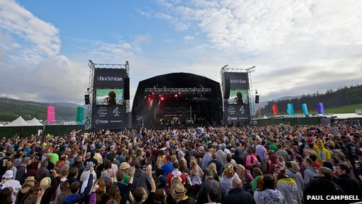 Crowds at RockNess