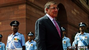 US Defence Secretary Leon Panetta inspecting Indian guard of honour
