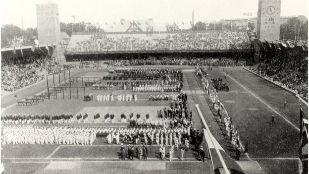 The openign ceremony at the Stockholm Olympics in 1912