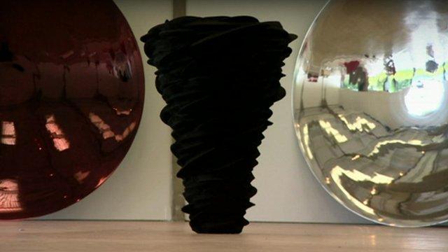 Anish Kapoor sculptures