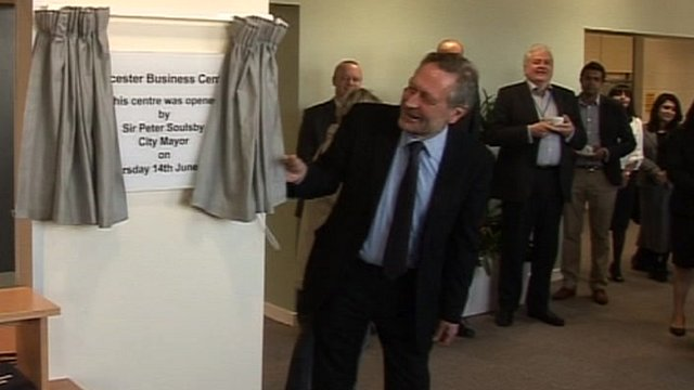 Sir Peter Soulsby opens the refurbished Leicester Business Centre