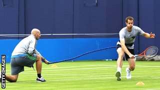 Andy Murray working with fitness trainer Jez Green