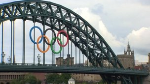 Olympic rings on Tyne Bridge