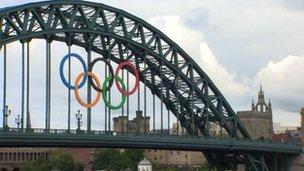 Olympic rings on Tyne Bridge