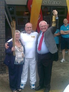 Mayor Kath Nisbet, torchbearer Leslie Welsh and Ronnie Campbell MP