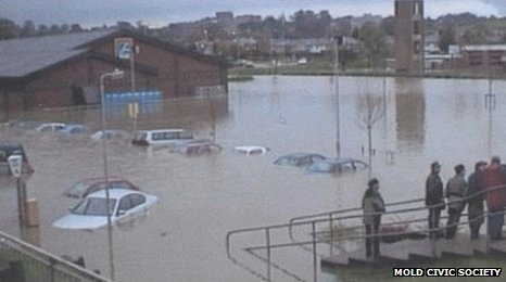 Mold floods, 2000
