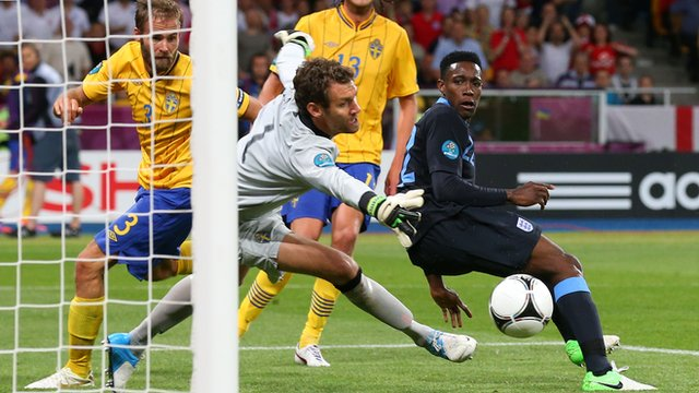 Euro 2012 highlights: Sweden 2-3 England