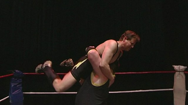 Mike Bushell wrestling