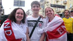 Rostyslav  with two England fans