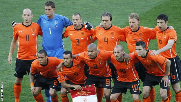 Netherlands insist team spirit is not a problem